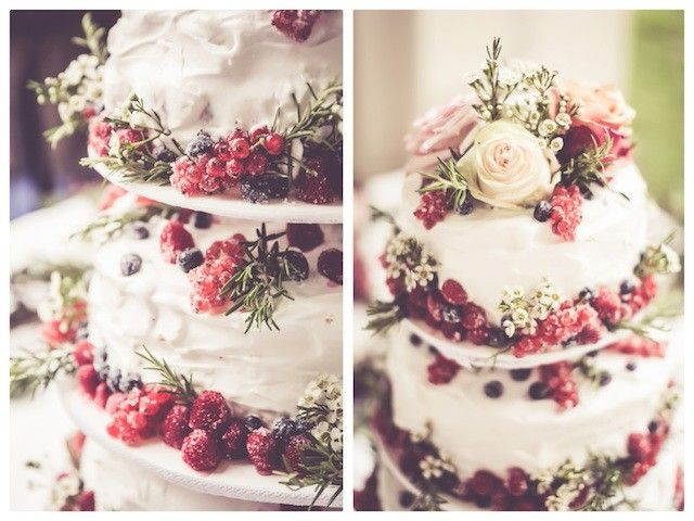 Love the icing mixed with fruit and minimal flowers.