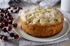 La Torta di mele irlandese è una deliziosa torta rustica, umida e speziata, con una golosa crosta croccante. Facile, senza bisogno di fruste o impastatrici.