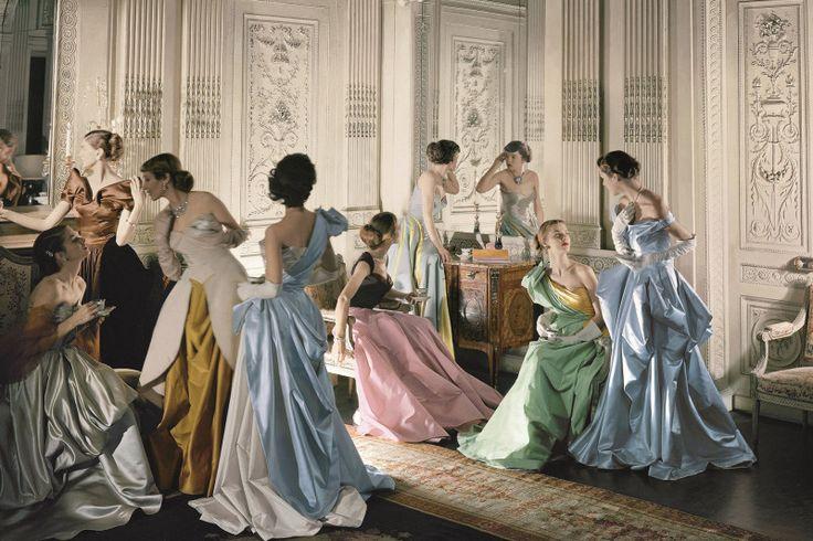 Moda escultural de Charles James entra em cartaz no Met NY #ArteCultura #Moda #StyleCity #FashionTraveler @StyleCityBR