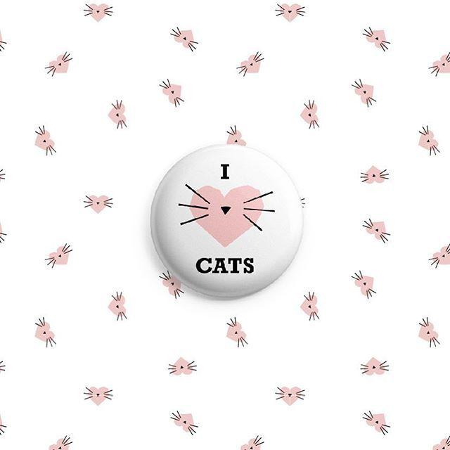 Cat illustration I ❤️ CATS pattern design. #surfacedesign #kitty #catsurfacedesign #cat #illustration #heart  #lovecats #pin #surfacepattern #surfacedesign Designed by: RIKKES BIX