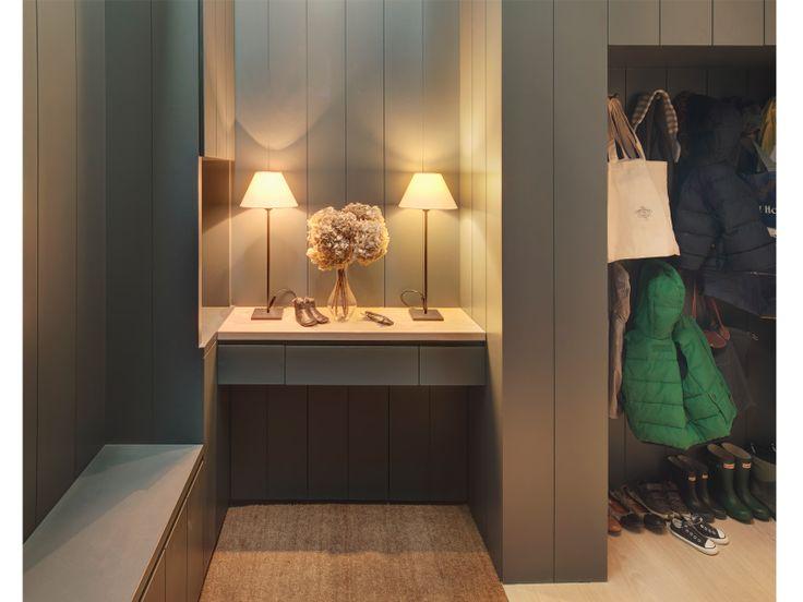 contemporary boot room - De Rosee Sa - project