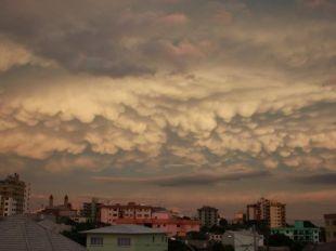 Metsul Blog - Meteorologia.   Nuvens Mammatus - Caxias do Sul. Janeiro de 2011.  Por: Horst Böckler Jr