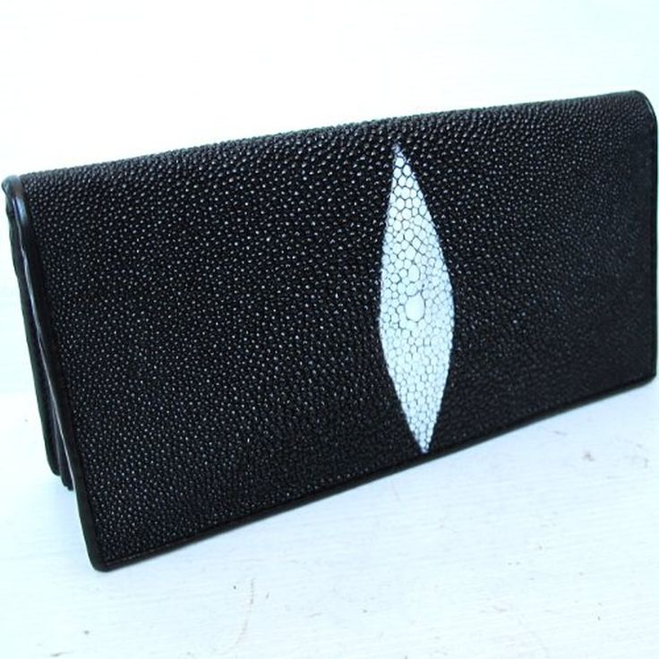 """""""HelloBangkok"""" BEAUTIFUL WOMEN GENUINE STINGRAY LETHER CLUTCH BIFOLD WALLET SIZE = 5.0 INCHES X 8.0 INCHES"""