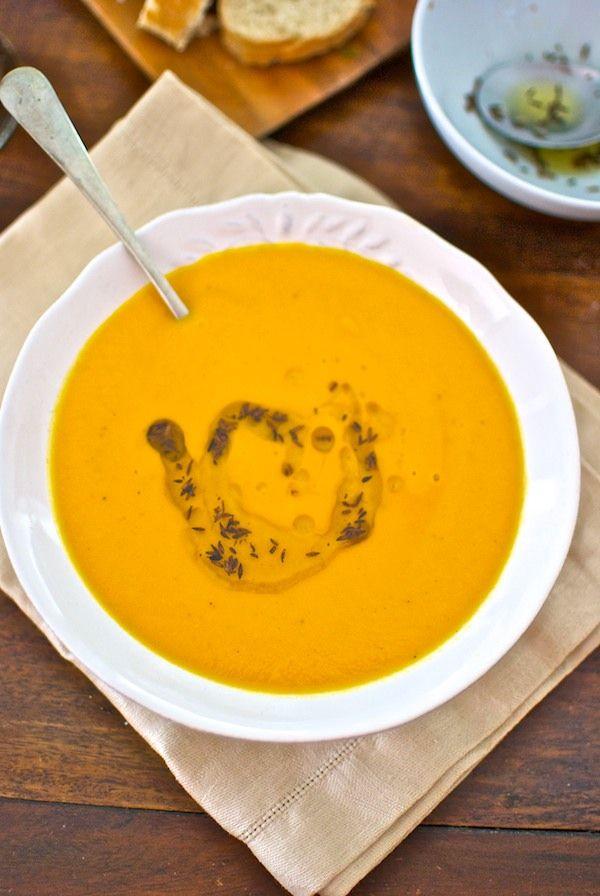 Receta de 'Sopa de zanahorias al curry' de Pepekitchen para el blog 'A tu Gusto' de superSol. La mejor gastronomía :)
