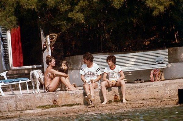 Brigitte Bardot à La Madrague avec Jacques Charrier et leur fils, Nicolas GettyImages-542247020