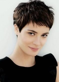 Elegant sweet haircuts for short, thick hair
