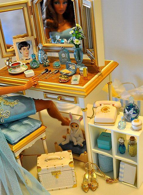 barbie vanity by deborah is lola, via Flickr 1:6th Scale