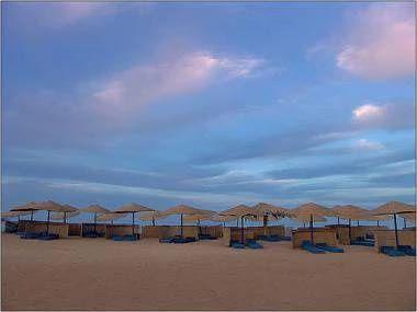 Písečná pláž u letoviska El Gouna