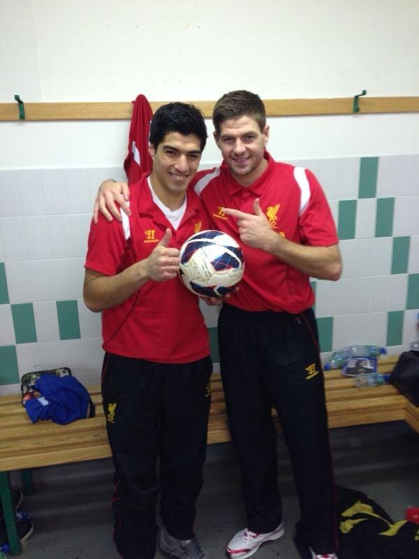 Man of the Match Luis Suarez poses with the match ball and Club Captain Steven Gerrad. #LFC #legends