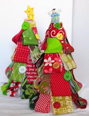 Mama Mel Loves...: Tiny fabric Christmas Trees Decorations
