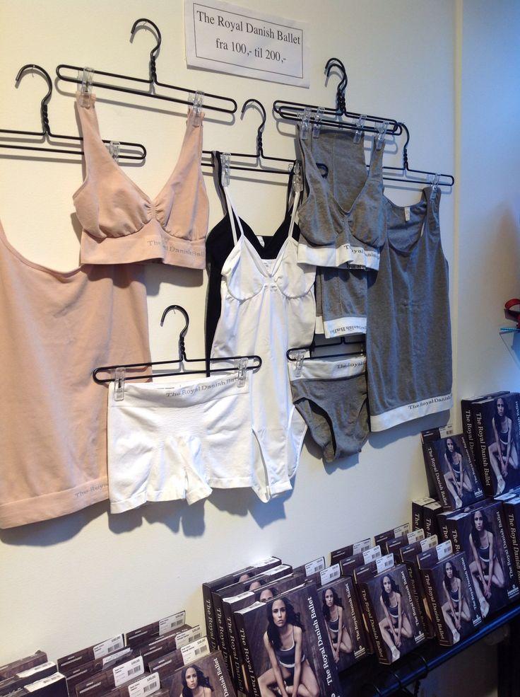 Yoga træningstøj & blødt undertøj fra MDK - vi har åben til kl 15 i dag