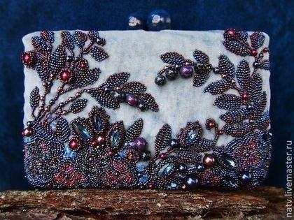 """Бархатная сумочка """"Blueberry"""" с изумительной вышивкой бисером, бусинам и кристаллами — работа дня на Ярмарке Мастеров #beadwork"""