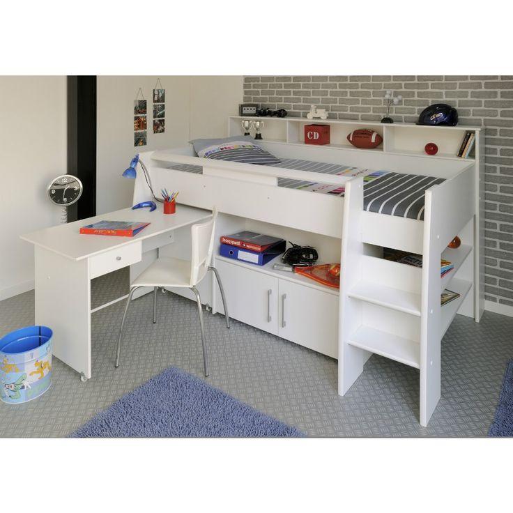 Uitschuifbaar bureau is handig voor een kleine kamer. Extra opbergruimte boven en onder het bed is ook praktisch.