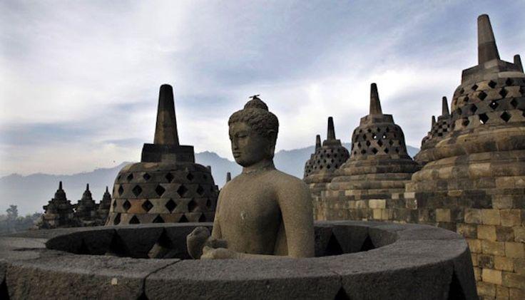 Kemenpar melaunching 25 Kalender Event 2017 di Borobudur dan sekitarnya dalam acara pameran pariwisata Thai International Travel Fair (TITF) 2017.