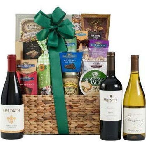 Best Wine For Wedding Gift: 17 Best Ideas About Wine Gift Baskets On Pinterest