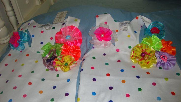 Camisetas decoradas con cintas | manualidades artisticas | Pinterest