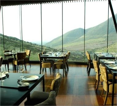 La hermosa vista desde Santerra restaurant de enjoy Santiago.