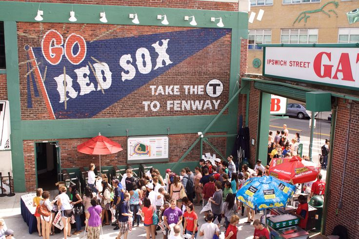 Long Lines on College Day at Fenway Park