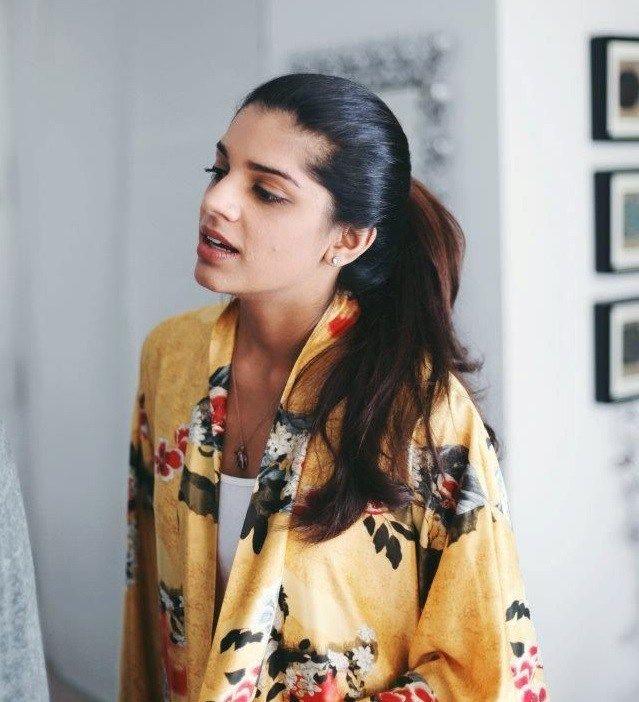 Sanam Saeed // gorgeous Pakistani actress