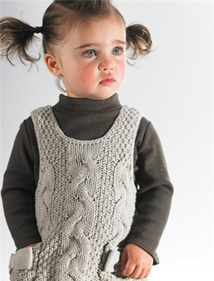 I NEED this for my little one. Super cozy! #knitting #kids