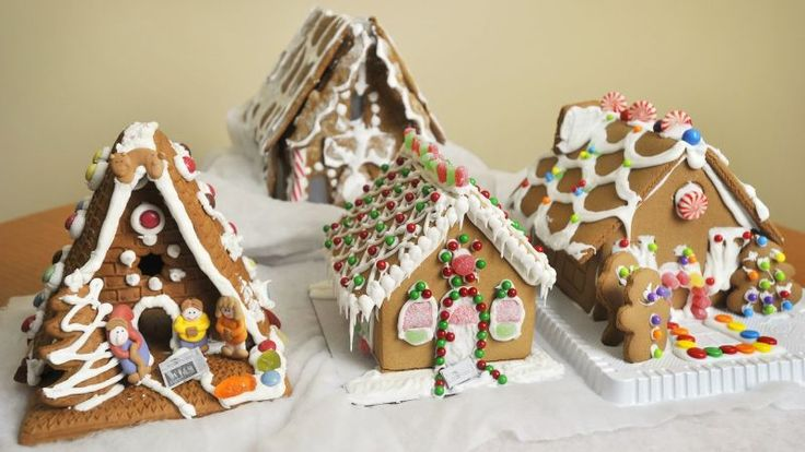 Photo: John Ewing/Portland Press Herald via Getty ImagesIn How Do You Take Yours?, The Takeout solicits outside expertise for secret tips on improving one dish.This time of year, the gingerbread house is one craft almost everyone can get behind, as it offers opportunities for cookie-based architectur