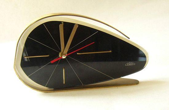 Andrea Avery: Vintage Clocks