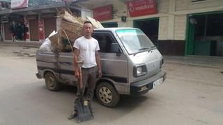 This Nagaland constable collects garbage in his old Maruti Van to keep town clean