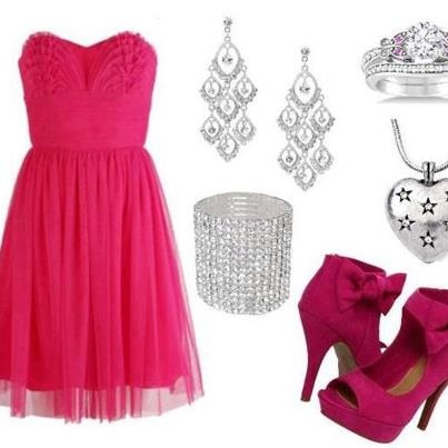 Stunning Wedding Guest Outfit if you like Pink!