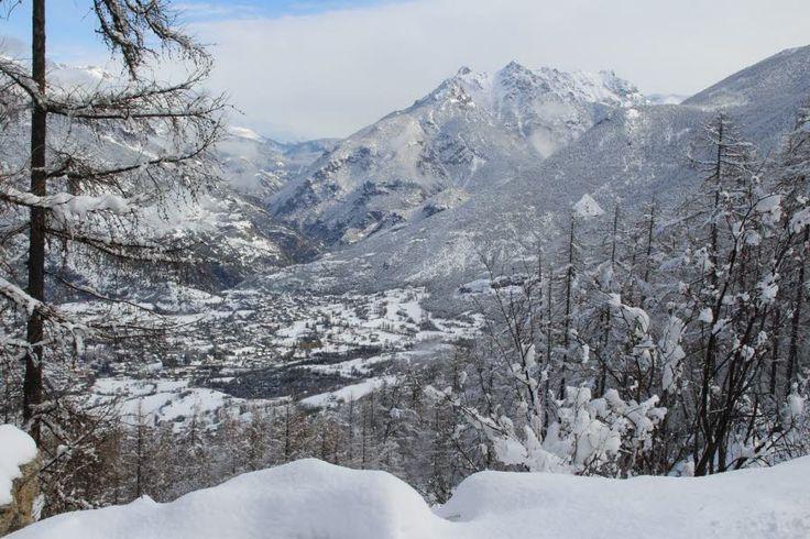 Dans la vallée, tout le Guillestrois est blanc... Guillestre, Mont-Dauphin... Photo Le DL/V.B.