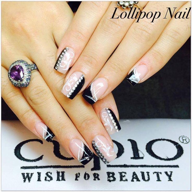 Black & White - with Lollipop Nail's http://nailish.fr/lang/896-paint-gel-achromatique-white-5ml.html http://nailish.fr/lang/897-paint-gel-achromatique-black-5ml.html
