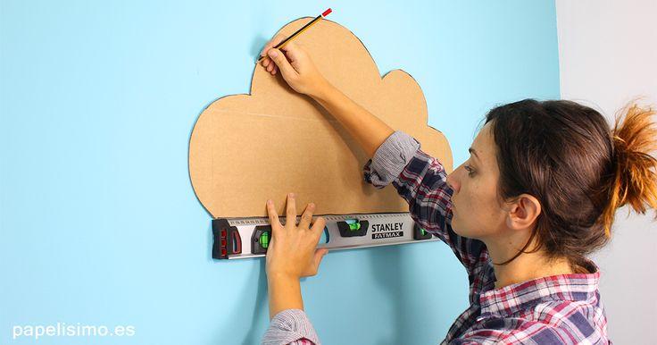 como-pintar-nube-en-pared-para-estanteria-con-plantilla-de-carton