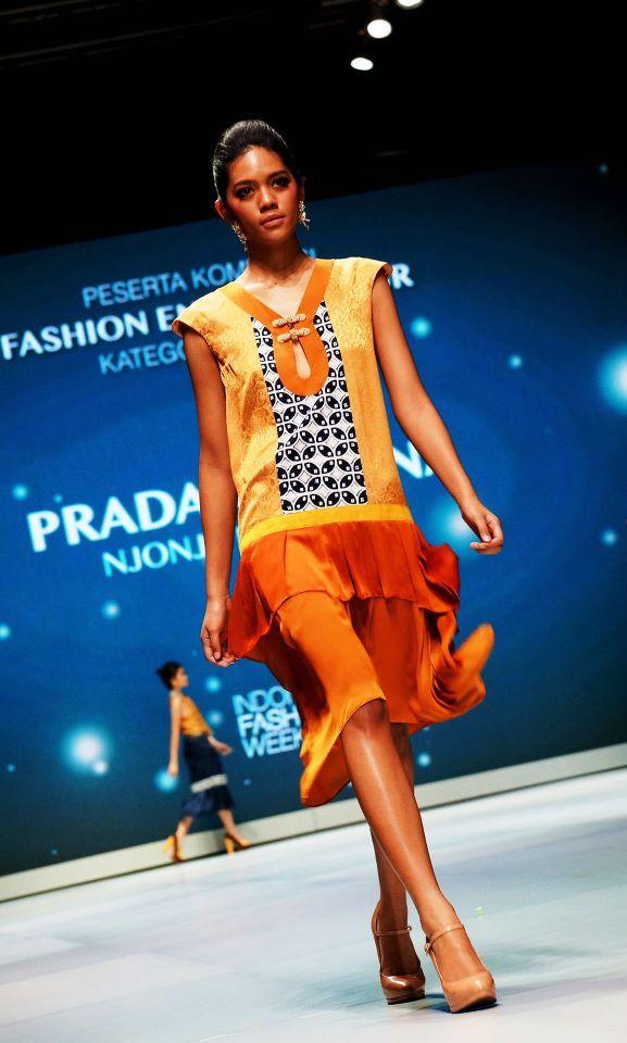 Indonesia Fashion Week Entrepreneurship Competition 2013 Njonja Kelengan by Pradani Ratna  | batik | dress | indonesia