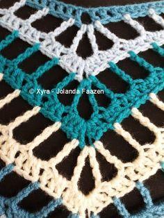Xyra PATR1021-crochet poncho de patrón cuadrado por XyraCreaties