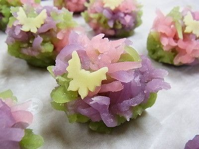 野遊び(きんとん) 春の上生菓子 和菓子 茶菓子 春爛漫 spring full bloom