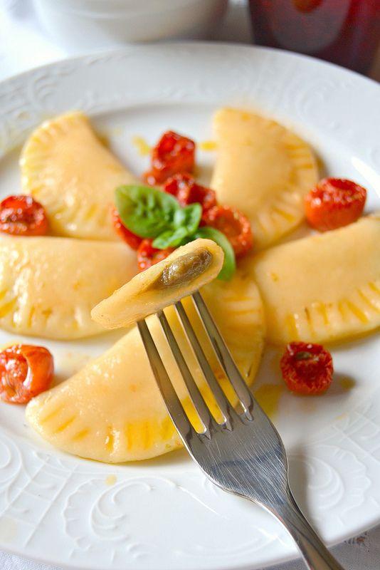 Gnocchi di patate ripieni di melanzane con salsa di pomodori confit _ Dolci a go go