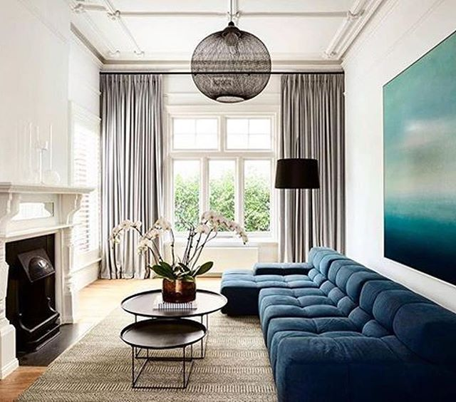 This Elegant Victorian Era Living Room Is The Perfect Combination Of Neutral Tones And Blue Victorian Living Room Trendy Living Rooms Blue Curtains Living Room