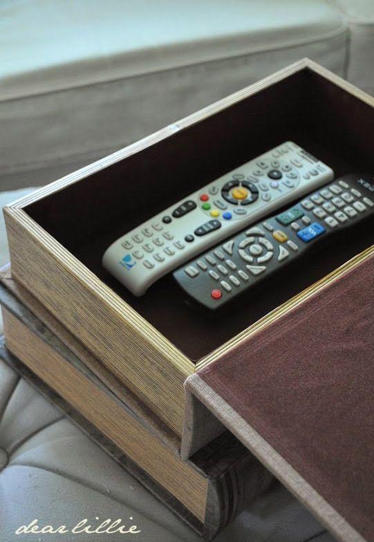 Utilisez un livre coffre-fort pour ranger vos télécommandes