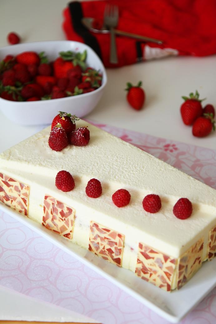 Crémeux - oconde, Kirsch syrup, mascarpone mousse, raspberry garnish, white chocolate yogurt mousse