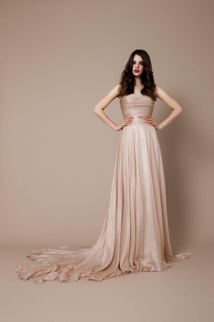 Pink-nude chiffon wedding dress