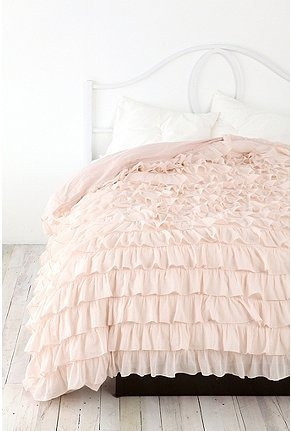 perfect bedding for a girly girly <3