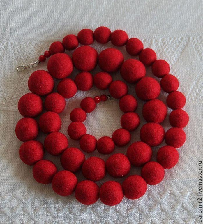 Колье, бусы ручной работы. Ярмарка Мастеров - ручная работа Бусы валяные Красные. Handmade.