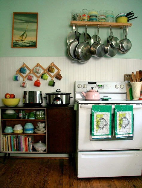 I like the mugs hung up on display: Kitchens, Interior, Color, Dream, Small Kitchen, Kitchen Ideas, Vintage Kitchen