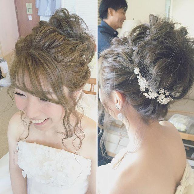 下目シニヨンも変わらず人気ですが、最近はトップにポイントを持ってくるスタイルも増えてきました! 透け感のある前髪のスタイリングとおくれ毛がオシャレなお団子ヘアでした #hawaii#hairmake#hairarrange#makeup#weddinghair#hawaiihairmake#weddingphoto#photoshooting#TerraceByTheSea#TheTerraceByTheSea#53ByTheSea#TAKAMIBRIDAL#テラスバイザシー#タカミブライダル#ハワイウェディング#ハワイヘアメイク#ウェディングヘア#ヘアメイク#ヘアスタイル#ヘアセット#ヘアアレンジ#花嫁#プレ花嫁#オシャレ花嫁#ウェディング#美容師#波ウェーブ#お団子