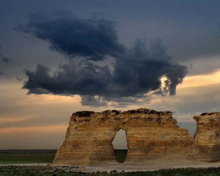 that cloud looks like a dragon, no?
