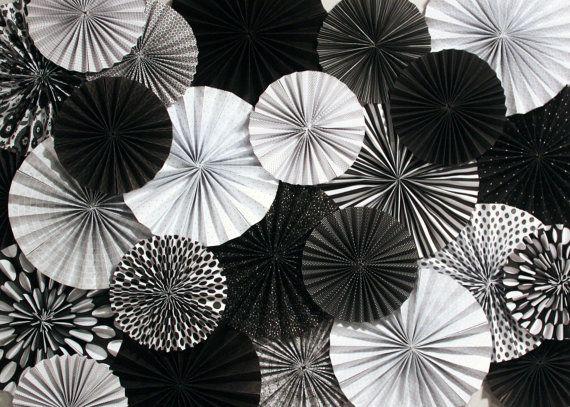 Sistema de telón de fondo de blanco y negro papel ventilador