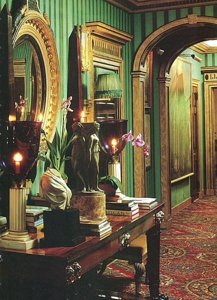 Oscar de la Renta's flat in NYC #homesweethome #stoneandstrand #loves