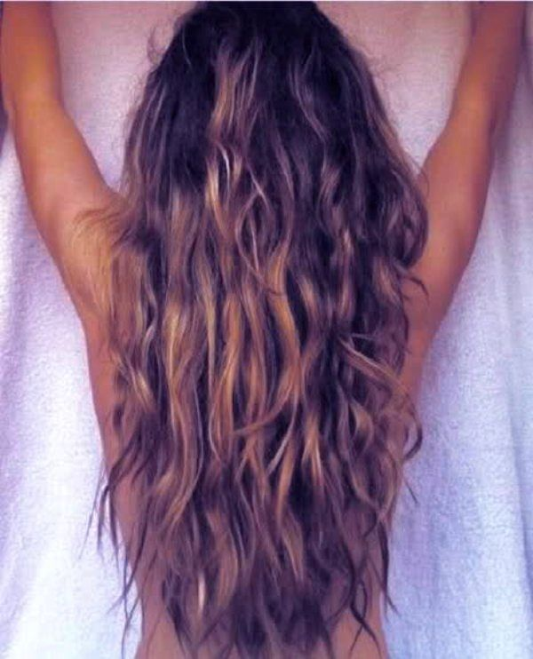 Long Blonde Beach Hair // Beach Waves // DIY Easy Hairstyle Inspiration.