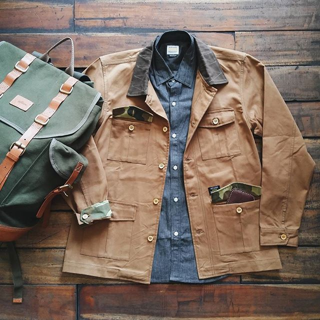 #DailyEssentials || Military  For more resemblance of military accent wear Affairs #CommanderJacket over Half Sleeve Shirt. Also carry your trip essentials with @affairsyk #Montana3.0  Come get them all at our store and walk on in such dapper outlook  #affairsstore #SS15Timeless