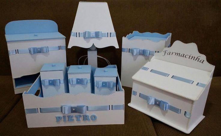 Kit completo    abajur  lixeira  porta fraldas  bandeja com nome  3 potes  farmacinha    Personalizado com nome do bebe    Cores para confecção: Azul Bebe, Rosa Bebe, Salmão, Lilas, Vermelho, Azul Marinho, Cinza,