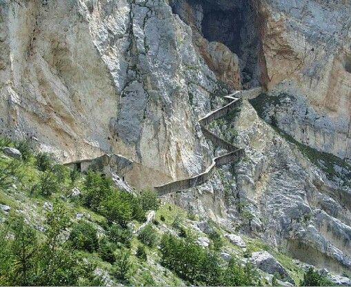 Centro visite di Lama dei Peligna,  Grotte del Cavallo #parconazionaledellamajella #abruzzo